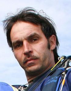 Олег Киселев - парашютист-инструктор